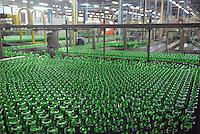 - glass industry, production of glass bottles; CoReVe, Consortium for Glass Recover....- industria vetraria, produzione di contenitori in vetro; CoReVe, Consorzio Recupero Vetro