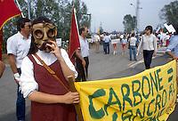 - manifestation against electrothermal power station of Tavazzano ....- manifestazione contro la centrale elettrotermica a carbone di Tavazzano