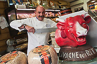 Europe/France/Rhône-Alpes/38/Isére/Grenoble: Bernard Mure-Ravaud, Fromagerie: Les Alpages,  [Non destiné à un usage publicitaire - Not intended for an advertising use]