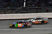 #18: Kyle Busch, Joe Gibbs Racing, Toyota Camry M&M's Caramel and #38: David Ragan, Front Row Motorsports, Ford Fusion MDS Trucking