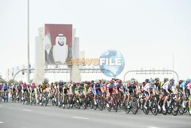 The peleton in action during Stage 2 of the 2018 Abu Dhabi Tour, Yas Island Stage running 154km from Yas Mall to Yas Beach, Abu Dhabi, United Arab Emirates. 22nd February 2018.<br /> Picture: LaPresse/Fabio Ferrari   Cyclefile<br /> <br /> <br /> All photos usage must carry mandatory copyright credit (© Cyclefile   LaPresse/Fabio Ferrari)