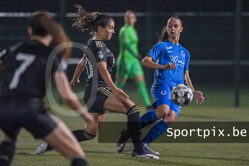 Genk's defender Fleur Bienkens (23) pictured during a female soccer game between  Racing Genk Ladies and Oud Heverlee Leuven on the fourth matchday of the 2020 - 2021 season of Belgian Scooore Womens Super League , friday 9 th of October 2020  in Genk , Belgium . PHOTO SPORTPIX.BE | SPP | STIJN AUDOOREN