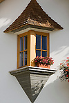 Italy, South Tyrol, Valle di Anterselva, farmhouse, jutty, window, flowers
