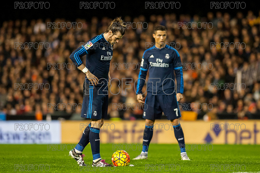 VALENCIA, SPAIN - JANUARY 3: Ronaldo and Bale during BBVA LEAGUE match between Valencia C.F. and Real Madrid at Mestalla Stadium on January 3, 2015 in Valencia, Spain