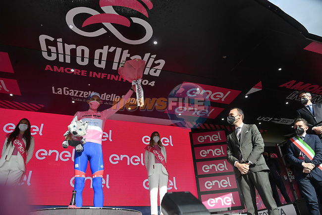 Attila Valter (HUN) Groupama-FDJ takes over the race leaders Maglia Rosa at the end of Stage 6 of the 2021 Giro d'Italia, running 160km from Grotte di Frasassi to Ascoli Piceno (San Giacomo), Italy. 13th May 2021.  <br /> Picture: LaPresse/Gian Mattia D'Alberto | Cyclefile<br /> <br /> All photos usage must carry mandatory copyright credit (© Cyclefile | LaPresse/Gian Mattia D'Alberto)