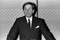 Conference de Ronald Corey<br /> , le 6 novembre 1986<br /> <br /> PHOTO :  : Agence Quebec Presse