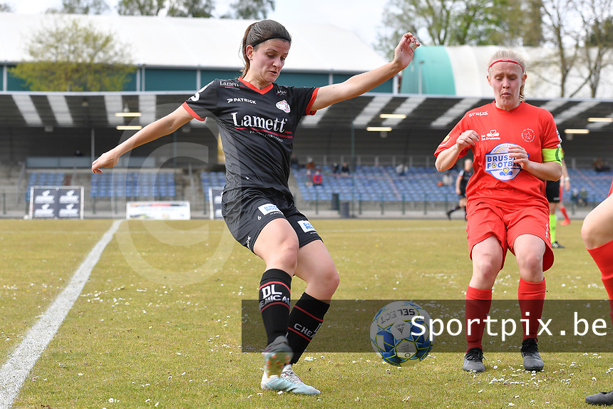 Amber De Priester (6) of Zulte-Waregem andJana Simons (8) of Woluwe  pictured during a female soccer game between FC Femina White Star Woluwe and SV Zulte Waregem on the fifth matchday of play off 2 in the 2020 - 2021 season of Belgian Scooore Womens Super League , Saturday 8 th of May 2021  in Woluwe , Belgium . PHOTO SPORTPIX.BE   SPP   DAVID CATRY