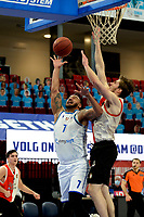 06-03-2021: Basketbal: Donar Groningen v ZZ Feyenoord: Groningen Donar speler Davonte Lacy met Feyenoord speler Jeroen van der List