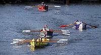 Nederland Zaandam 2019. De jaarlijkse sloepenrace Slag om de Zaan in Zaandam. Een spectaculaire sloeproeiwedstrijd van ruim 16 kilometer over de Zaan. Voorop de sloep van Kesbeke. Foto Berlinda van Dam / Hollandse Hoogte