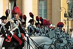 Italy, Veneto, Province Capital Verona: mounted Carabinieri in traditional uniform | Italien, Venetien, Provinzhauptstadt Verona: Carabinieri zu Pferde mit traditioneller Uniform
