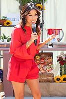 BURBANK, CA, USA - JUNE 11: Eva Longoria Helps Kick Off a Healthy and Hydrated Summer with the Burbank YMCA - Brita and Eva Longoria Help Kids Choose Water at Burbank YMCA Special Event at the Burbank Community YMCA on June 11, 2014 in Burbank, California, United States. (Photo by Xavier Collin/Celebrity Monitor)