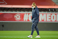 Swiss players inspecting the pitch pictured before a female soccer game between the national teams of Belgium , called the Red Flames and Switzerland on the 8 th and last matchday in group H for the qualification for the Womens EURO 2022 in England , on Tuesday 1 th of December 2020  in Leuven , Belgium . PHOTO SPORTPIX.BE | SPP | DIRK VUYLSTEKE
