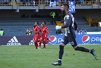 BOGOTÁ- COLOMBIA,5-06-2019.Carlos Sierra jugador del América de Cali  celebra después de anotar un gol a Millonarios durante el sexto partido de los cuadrangulares finales de la Liga Águila I 2019 jugado en el estadio Nemesio Camacho El Campín de la ciudad de Bogotá. /Carlos Sierra player of America de Cali celebrates after scoring a goal agaisnt of Millonarios during the sixth match for the quarter finals B of the Liga Aguila I 2019 played at the Nemesio Camacho El Campin stadium in Bogota city. Photo: VizzorImage / Felipe Caicedo / Staff