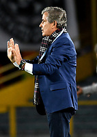 BOGOTÁ-COLOMBIA, 17–04-2019: Jorge Luis Pinto, técnico de Millonarios, gesticula durante partido de la fecha 16 entre Millonarios y Deportes Tolima, por la Liga Águila I 2019, jugado en el estadio Nemesio Camacho El Campín de la ciudad de Bogotá. / Jorge Luis Pinto, coach of Millonarios gestures during a match of the 16th date between Millonarios and Deportes Tolima, for the Aguila Leguaje I 2019 played at the Nemesio Camacho El Campin Stadium in Bogota city, Photo: VizzorImage / Luis Ramírez / Staff.
