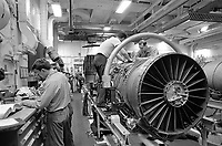 - The Us navy Roosevelt aircraft carrier in navigation in the Mediterranean Sea (April 1989); aircrafts engine maintenance<br /> <br /> - La portaerei Roosevelt dell'US Navy in navigazione nel mar Mediterraneo  (aprile 1989); manutenzione dei motori di aereo
