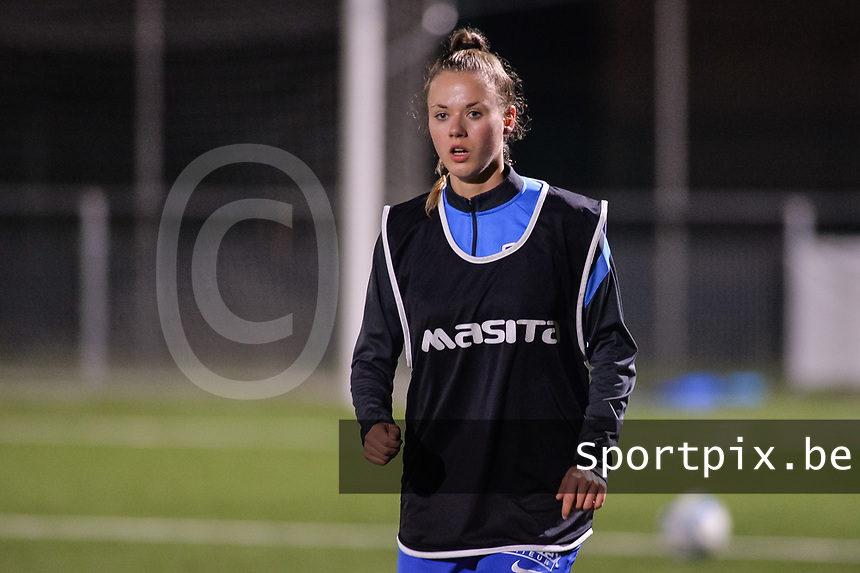 Kelsey Geraedts (17) of KRC Genk pictured during a female soccer game between  Racing Genk Ladies and AA Gent Ladies ,  on the 6 th  matchday of the 2021-2022 season of the Belgian Scooore Womens Super League , friday 8 october 2021  in Genk , Belgium . PHOTO SPORTPIX   JILL DELSAUX