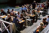 Lokal am Christianshavn-Kanal in Kopenhagen, Daenemark