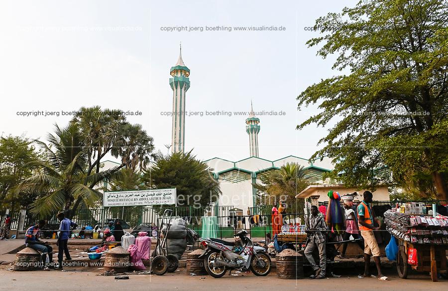 MALI, Bamako, Grand Mosque Roi Faycal bin Abdoulaziz de Bamako, built 1976 and market