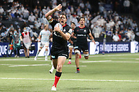 26th September 2020, Paris La Défense Arena, Paris, France; Champions Cup rugby semi-final, Racing 92 versus Saracens; Goode (Saracens) breaks tackles to score