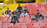 BOGOTA - COLOMBIA, 29-10-2020: Independiente Santa Fe y Patriotas Boyaca F. C., durante partido de la 3ra ronda clasificacion vuelta por la Copa BetPlay DIMAYOR 2020 en el estadio Nemesio Camacho El Campin de la ciudad de Bogota. / Independiente Santa Fe and Patriotas Boyaca F. C., during a match 3rd round qualifying second leg for the BetPlay DIMAYOR Cup 2020 at the Nemesio Camacho El Campin stadium in Bogota city. / Photo: VizzorImage / Luis Ramirez / Staff.