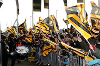 Photo: Richard Lane/Richard Lane Photography. Wasps v Leicester Tigers. Aviva Premiership. 08/01/2017. Wasps supporters wait for the team to arrive.