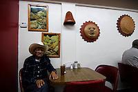 Restaurant; Progreso, Mexico; 141pm, 7Dec2005