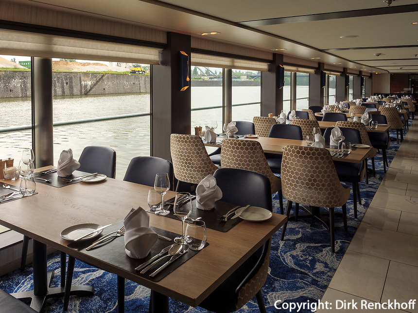 Kreuzfahrtschiff  NickoVision auf dem Rhein, Rheinland-Pfalz, Deutschland, Europa<br /> cruise ship NickoVision on the river Rhine, Germany, Europe