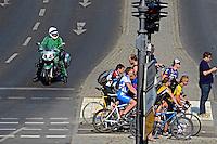 Ciclistas na rua em Berlin. Alemanha. 2011. Foto de Juca Martins.