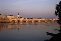 Europe/France/Pays de la Loire/49/Maine-et-Loire/Saumur: La Loire et le pont