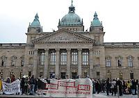 Studentenproteste gegen Zustand und Form des Deutschen Bildungssystems an den Hochschulen und Universitäten. Foto: Norman Rembarz....Norman Rembarz , ( ASV-Autorennummer 41043728 ), Holbeinstr. 14, 04229 Leipzig, Tel.: 01794887569, Hypovereinsbank: BLZ: 86020086, KN: 357889472, St.Nr.: 231/261/06432 - Jegliche kommerzielle Nutzung ist honorar- und mehrwertsteuerpflichtig! Persönlichkeitsrechte sind zu wahren. Es wird keine Haftung übernommen bei Verletzung von Rechten Dritter. Autoren-Nennung gem. §13 UrhGes. wird verlangt. Weitergabe an Dritte nur nach  vorheriger Absprache...GPS:  Länge - E12°22.266' .            Breite - N51°19.996'