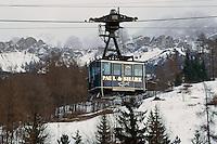 - Cortina d'Ampezzo, cableway for Mount Faloria ....- Cortina d'Ampezzo, funivia per il Monte Faloria