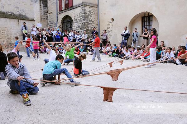 Cadre : Festival Uzes danse 2013<br /> Lieu : <br /> Ville : Uzes<br /> 15/06/2013<br /> © Laurent Paillier / photosdedanse.com