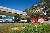 Airlight Energy, Biasca, Airlight Energy, prototipo parabolico lineare a 2 assi di rotazione, e collettore solare parabolico lineare