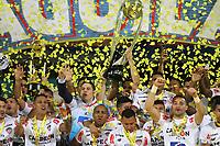 MEDELLÍN- COLOMBIA, 16-12-2018.Jugadores del Junior levantan el trofeo para celebrar el título como campeones después del partido de vuelta Final entre Deportivo Independiente Medellín y Atletico Junior como parte de la Liga Águila II 2018 jugado en el estadio Atanasio Girardot de la ciudad de Medellín. / Players of Junior lift the trophy to celebrate as a champions after Final second leg match between Deportivo Independiente Medellin and Atletico Junior as a part Aguila League II 2018 played at Atanasio Girardot stadium in Medellin city<br />  . Photo: VizzorImage / Felipe Caicedo / Staff
