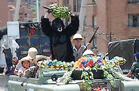 MEDELLIN-COLOMBIA, 6-08-2016. Desfile de carros antiguos durante las fiestas de La Feria de las  de las Flores  ./ Antique car parade during celebrations of Feria de Las Flores . Photo:VizzorImage / León Monsalve / Contribuidor