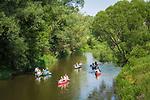 Deutschland, Bayern, Mittelfranken, Naturpark Altmuehltal, bei Solnhofen: Kanufahrt auf der Altmuehl | Germany, Bavaria, Middle Franconia, Nature Park Altmuehl Valley, near Solnhofen: canoeing on river Altmuehl