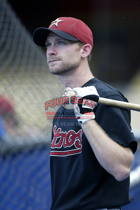 Adam Everett of the Houston Astros before a 2002 MLB season game against the Los Angeles Dodgers at Dodger Stadium, in Los Angeles, California. (Larry Goren/Four Seam Images)