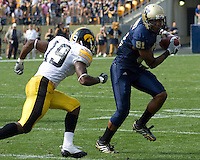 September 20, 2008: Pitt wide receiver Derek Kinder (81). The Pitt Panthers defeated the Iowa Hawkeyes 21-20 on September 20, 2008 at Heinz Field, Pittsburgh, Pennsylvania.