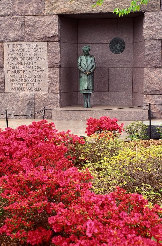 Franklin D. Roosevelt Memorial, Washington, DC, District of Columbia, Statue of Eleanor Roosevelt at the Franklin Delano Roosevelt Memorial.