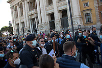 Tens of people were fined by police not to respect the pandemic Covid-19/Coronavirus emergency rules. One person was taken away and then released.<br />