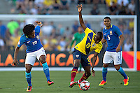 Actio photo during the match Brasil vs Ecuador, at Rose Bowl Stadium Copa America Centenario 2016. ---Foto  de accion durante el partido Brasil vs Ecuador, En el Estadio Rose Bowl, Partido Correspondiante al Grupo -B-  de la Copa America Centenario USA 2016, en la foto: (i)-(d) Willian, Enner Valencia<br /> --- 04/06/2016/MEXSPORT/ Osvaldo Aguilar