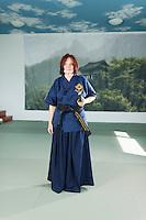 SBB Mitarbeiterin Daniela Marugg betreibt koreanischen Schwertkampf bei einem Training im KajZen Seminar-Zentrum in Eich am 14. September 2013<br /> <br /> Copyright Zvonimir Pisonic © 2013 SBB CFF FFS