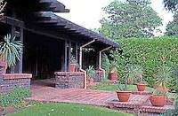 Henry Greene: Crows-Crocker House, 909 S. El Molino Ave.  Photo '88.