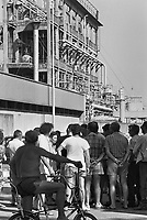 - 17 luglio 1988: alle 6,15, nell'industria chimica Farmoplant, della Montedison, a Massa Carrara, scoppia una cisterna di 40 metri cubi contenente Rogor (un pesticida altamente tossico). Si sviluppa un incendio, e una nube nera si alza in cielo. Circa cinquantamila persone scappano terrorizzate. Per trenta ore non viene dato un allarme ufficiale e la popolazione non viene informata della gravità dell'incidente, ma sono150 gli intossicati, solo il primo giorno. Un odore acre, nauseabondo, causato dal pesticida bruciato, si diffonde ovunque. Nel torrente Lavello i pesci muoiono, viene proclamato il divieto di balneazione. La Farmoplant era una ditta già da tempo contestata ed era già stata causa di gravi problemi ambientali<br /> <br /> - 17 July 1988: at 6,15, in the chemical industry Farmoplant, of the Montedison, in Massa Carrara, a tank containing 40 cubic meters of Rogor (a highly toxic pesticide) explode. A fire is developed, and a black cloud is raised in sky. Approximately fifty thousand persons escape terrorized. For thirty hours it does not come given an official alarm and the population does not come informed of the gravity of the incident, but are150 the poisoned ones, only the first day. An acrid, nauseous odor, caused from the pesticide burnt  is diffused everywhere. In the torrent Lavello the fish die, and comes proclaimed the prohibition of bathing in sea. The Farmoplant was one company already for a long time contested. and already it had been cause of serious environmental problems