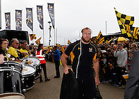 Photo: Richard Lane/Richard Lane Photography. Wasps v Exeter Chiefs.  European Rugby Champions Cup Quarter Final. 09/04/2016. Wasps' James Haskell arrives at the Ricoh Arena.