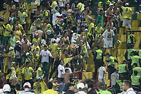 BUCARAMANGA - COLOMBIA, 28-09-2019: Hinchas de Bucaramanga protgonizaron desordenes en las tribunas  durante partido por la fecha 13 de la Liga Águila II 2019 entre Atlético Bucaramanga y Envigado F.C. jugado en el estadio Alfonso Lopez de la ciudad de Bucaramanga. / Fans of Atletico Bucaramanga make a riots on the tribunes during match for the date 13 of the Liga Aguila II 2019 between Atletico Bucaramanga and Envigado F.C. played at the Alfonso Lopez stadium of Bucaramanga city. Photo: VizzorImage / Oscar Martinez / Cont