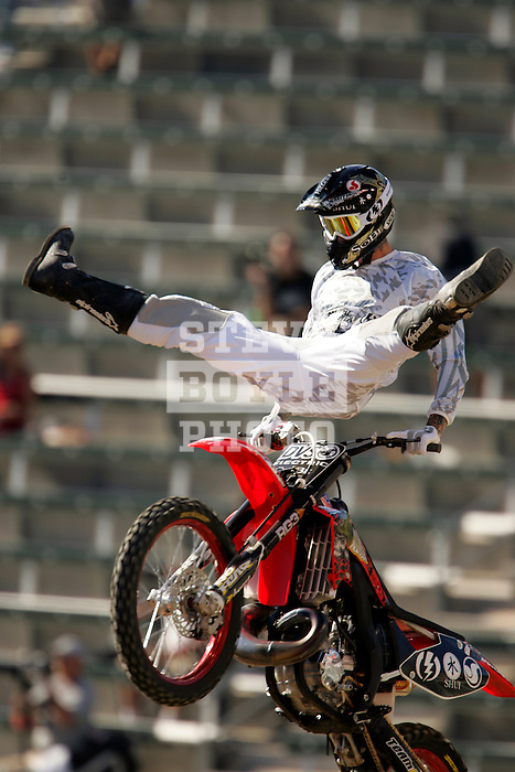Ronnie Faisst competes in the Moto X Freestyle elimination round during X-Games 12 in Los Angeles, California on August 5, 2006.