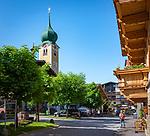Austria, Tyrol, Brixen Valley, Westendorf (Tyrol): village centre with parish church St. Nicholas | Oesterreich, Tirol, Brixental, Westendorf (Tirol): Ortszentrum mit Pfarrkirche zum Heiligen Nikolaus