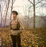 Один и без оружия (1984)