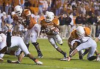 04 November 2006: Texas back Jamaal Charles (#25) runs with the ball during the Longhorns 36-10 victory over the Oklahoma State University Cowboys at Darrel K Royal Memorial Stadium in Austin, Texas.